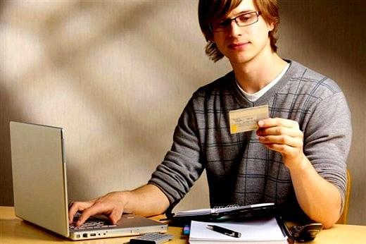 Автокредит с 18 лет: условия выдачи денег молодым людям