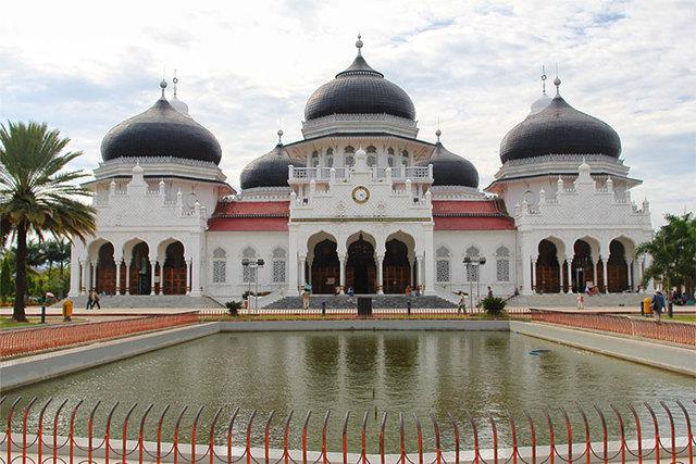 Достопримечательности Индонезии: богатая природа и древние храмы